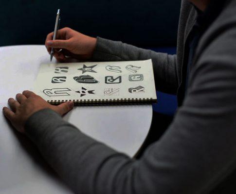 Zasady używania logo